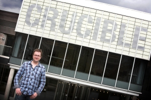 Andrew Loretto outside the Sheffield Crucible Theatre