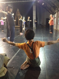 Chih-chung Cheng participating in Phillip Zarrilli's workshop for Taipei Arts Festival