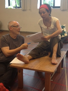 Phillip Zarrilli directing Faye Leung. 'The 9 Fridas' Taipei 2014